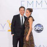 Seth Meyers y Alexi Ashe en los Emmy 2012