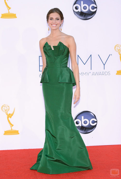 Allison Williams en los Emmy 2012