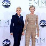 Ellen DeGeneres y Portia de Rossi en los Emmy 2012