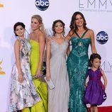 Las chicas de 'Modern Family' posan juntas en los Emmy 2012