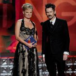 Martha Plimpton y Jeremy Davies en los Emmy 2012