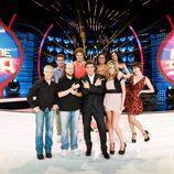 Manel Fuentes con los concursantes de la segunda edición de 'Tu cara me suena'