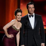 Jon Hamm y Tina Fey en los Emmy 2012