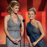 Connie Britton y Hayden Panettiere en los Emmy 2012
