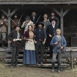 La familia Hatfields al completo en 'Hatfields & McCoys'