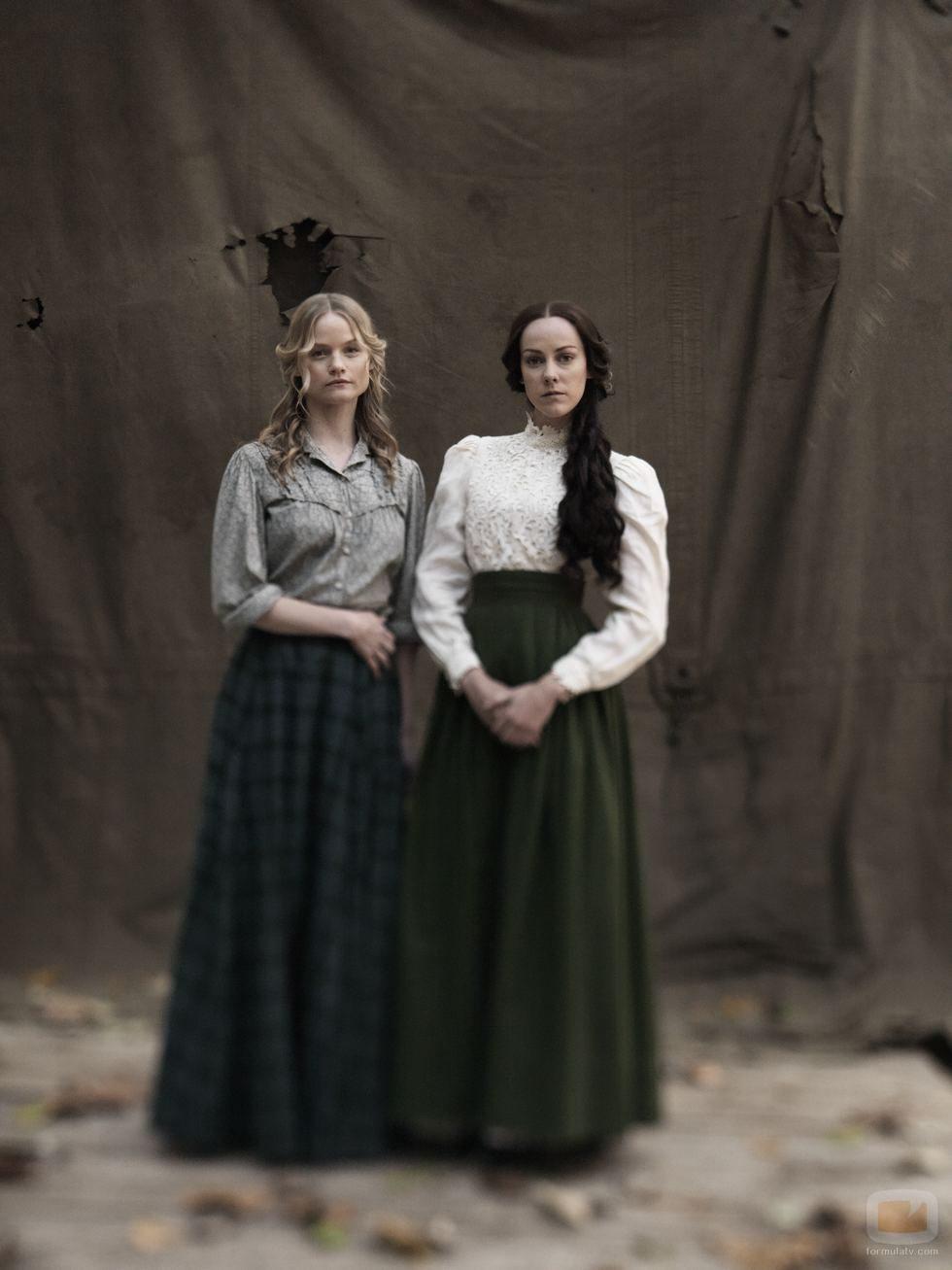 Lindsay Pulsipher y Jena Malone son Roseanna y Nancy McCoy en 'Hatfields & McCoys'