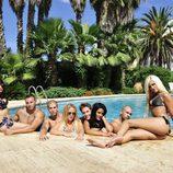 Arantxa, Esteban, Labrador, Gata, Abraham, Core, Clavelito e Ylenia en la piscina de 'Gandía Shore'