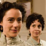 Doña Teresa (Adriana Ozores) y Sofía Alarcón (Luz Valdenebro) en la segunda temporada de 'Gran Hotel'