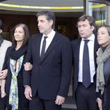 La familia Aragón en el tanatorio de Miliki
