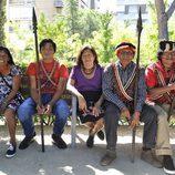 La tribu Shiwiar posa en Madrid tras su viaje a España para grabar la segunda temporada de 'Perdidos en la ciudad'