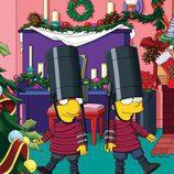 Milhouse y Bart Simpson disfrazados de la guardia inglesa en la temporada 22 de 'Los Simpson'