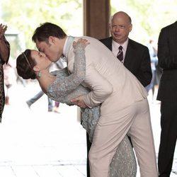 Beso apasionado entre Leighton Meester y Ed Westwick en el final de 'Gossip Girl'
