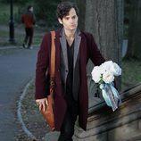 Penn Badgley porta el ramo de flores de la boda que protagonizará el final de 'Gossip Girl'
