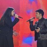 Rafa cantando junto a Luis Fondi en la gala final de 'La Voz'