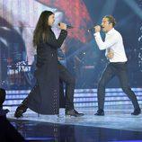 Rafa cantando junto a su coach David Bisbal en la gala final de 'La Voz'
