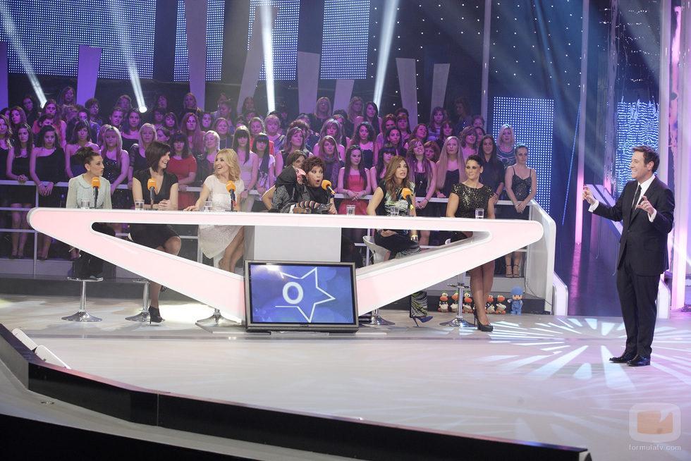 El equipo de los chicas en 'Cantando y bailando contigo' en La 1