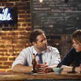 David Denman y Kris Marshall son Mike y Ethan en 'Manos libres'