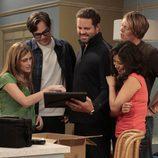 Calli, Adam, Mike, Ethan y Lisa, protagonistas de 'Manos libres'