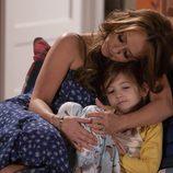 Jennifer Love Hewitt es una madre de dos hijos con una gran deuda en 'The Client List'