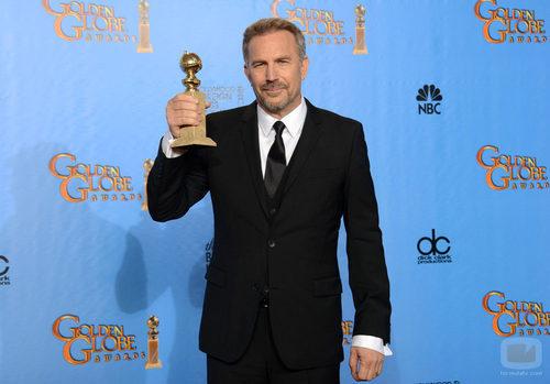 Kevin Costner, Mejor Actor de TV Movie o Miniserie en los Globos de Oro 2013