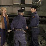 Mercedes retenida por los tanques que toman Valencia tras el golpe de estado