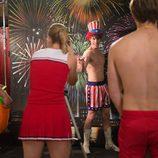Blake Jenner con el torso desnudo en 'Glee'