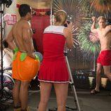Chord Overstreet presume de músculos en 'Glee'