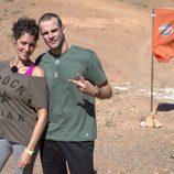 Rocío y Álex posando en una de las metas de 'Expedición imposible'