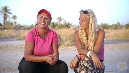 Raquel y Leticia hablando para el equipo de 'Expedición imposible'