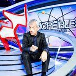 Carlos Sobera junto a la silla de 'Increíbles. El gran desafío'