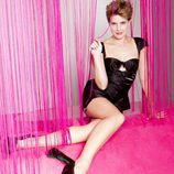 Tania Llasera posando con tacones negros para VIM Magazine
