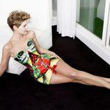 Tania Llasera posa con un llamativo corset para VIM Magazine