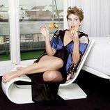 Tania Llasera posando para el número de enero de la revista VIM Magazine