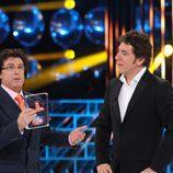 Javier Herrero recibe el premio Poner la otra mejilla en la final de 'Tu cara me suena'