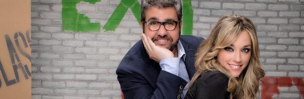 Los presentadores de 'Así nos va': Florentino Fernández y Anna Simón