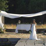 Ainhoa espera ante el altar en el último episodio de 'El Barco'