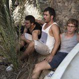 Piti, Ramiro y Palomares atónitos ante los tiroteos en el último capítulo de 'El Barco'