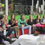 Los concursantes de 'Gran Hermano catorce' dan la bienvenida a Edoardo