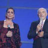Isabel Pantoja junto al presentador Xosé R. Gayoso