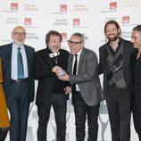 Equipo de 'Isabel' con el Premio Zapping 2013