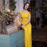 Ana Polvorosa con un traje amarillo de Miriam Oscariz para la revista Lanne