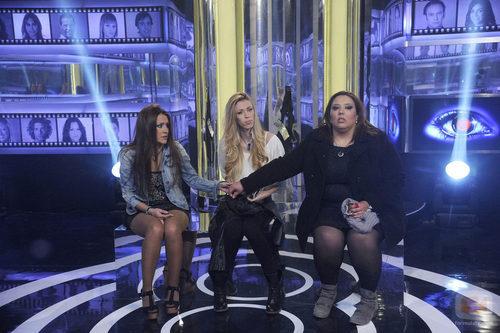 Argi, Miriam y Lorena en la sala de expulsión en la cuarta gala de 'Gran Hermano catorce'
