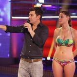 Arturo Valls y Elisabeth Reyes escuchan la valoración del jurado de 'Splash! Famosos al agua'