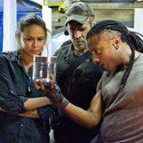 Investigan una sustancia en la segunda temporada de 'Falling Skies'