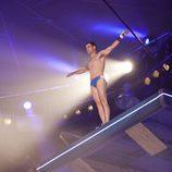 Darío Barrio en bañador se prepara para saltar en 'Splash! Famosos al agua'