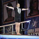 Nacho Montes preparándose para saltar desde el trampolín de '¡Mira quién salta!'