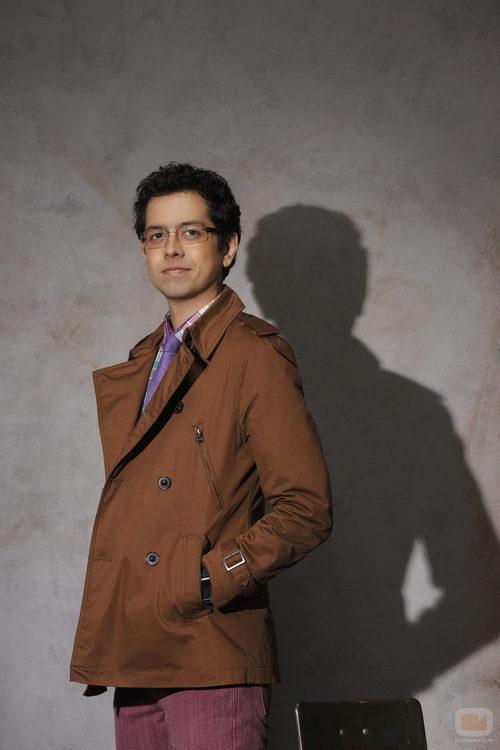 Adam Lucas (Elyes Gabel), en la tercera temporada de 'El cuerpo del delito'