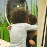 Kristian y Sonia besándose
