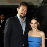 Jason Momoa y Emilia Clarke en la premiere de la tercera temporada de 'Juego de tronos'