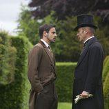 John Morray y Lord Glendenning hablan en 'Galerías Paradise'